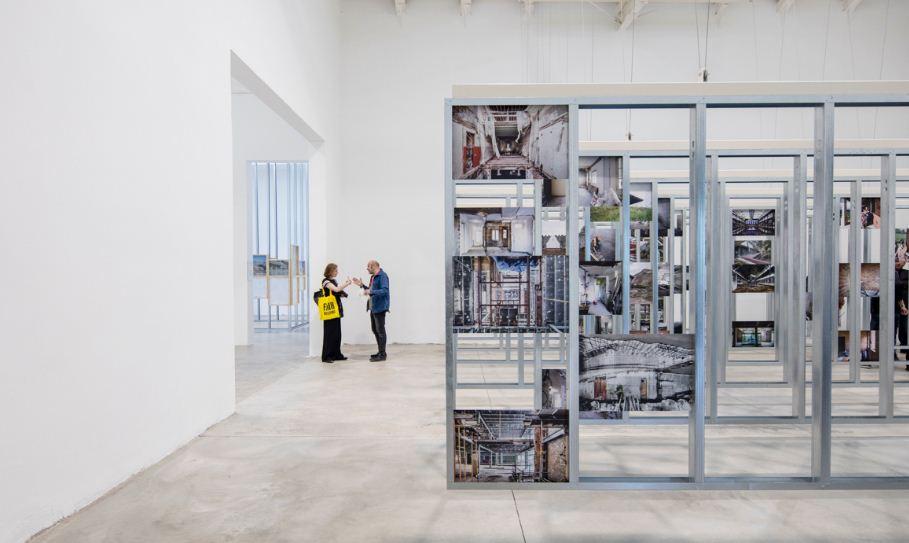 Presentan en Berlín la exposición UNFINISHED, ganadora del León de Oro en la Bienal de Venecia 2016