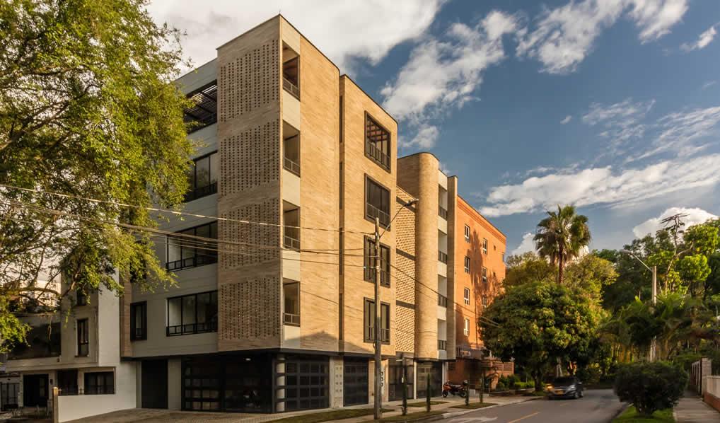 Edificio La Palma / Planta Baja Estudio de Arquitectura