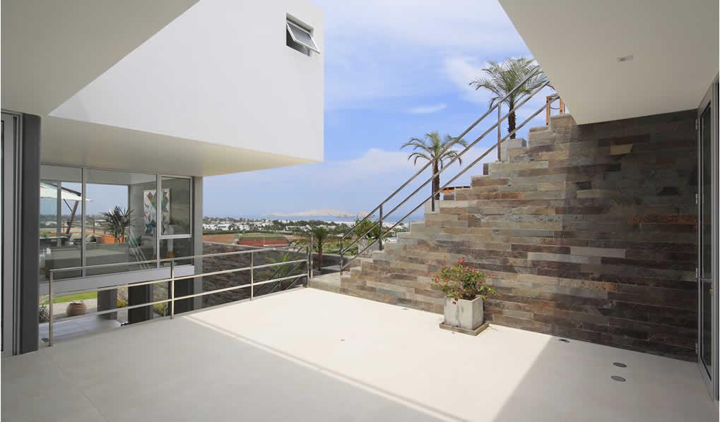Casa Horadada / Seinfield Arquitectos