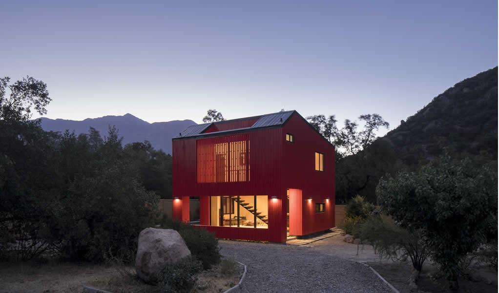 La Roja / Felipe Assadi Arquitectos