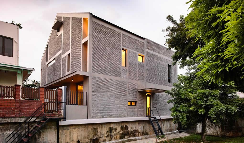 Aislamiento Sorprendente / HYLA Architects
