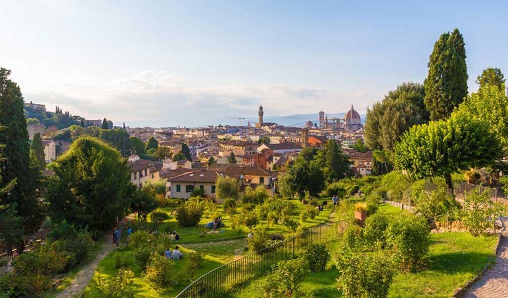Recorrido por los románticos jardines florentinos que inspiran el perfume artesanal