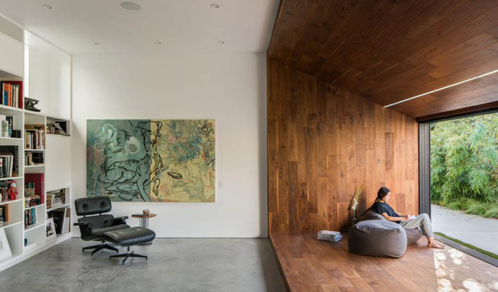 Dan Brunn renueva una casa de Los Ángeles diseñada por Frank Gehry para un ilustrador