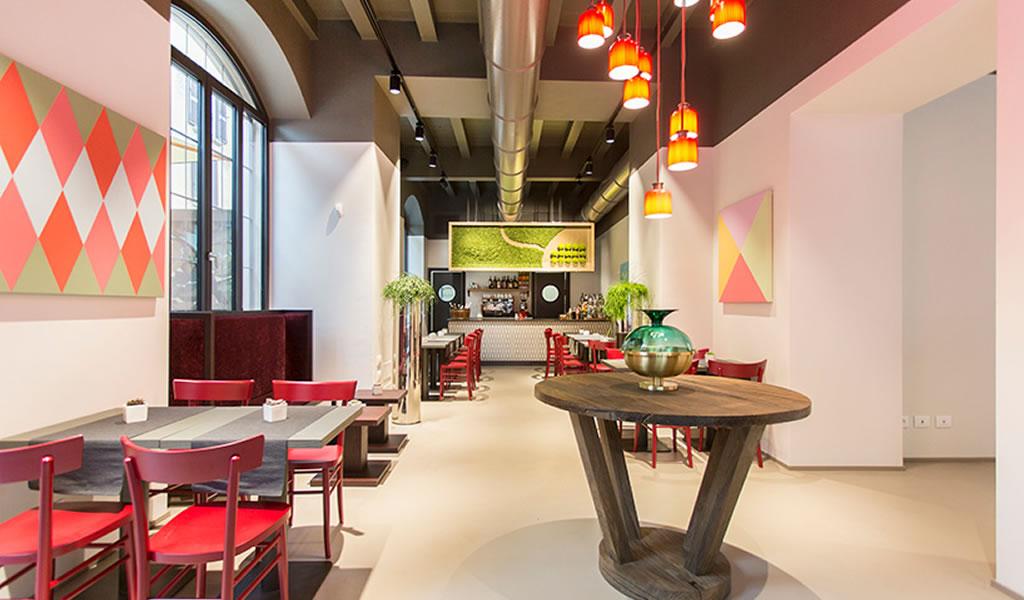 Aldo Cibic transforma el edificio de apartamentos de Milán en un hotel boutique de diseño