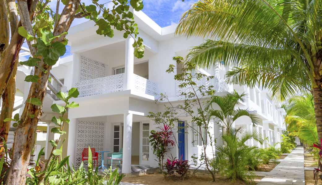 El nuevo hotel Skylark de Jamaica recupera el glamour de las islas de los años sesenta