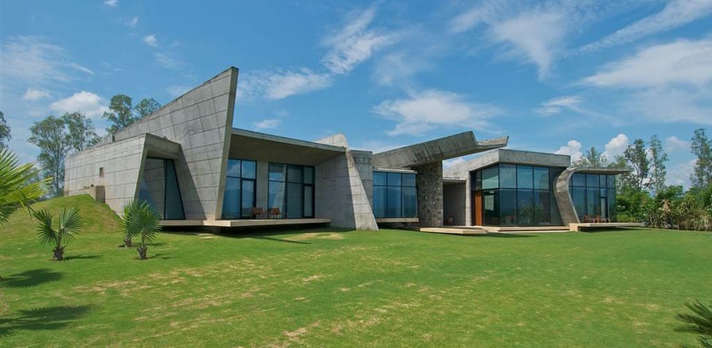 Casa Rishikesh / Rajiv Saini