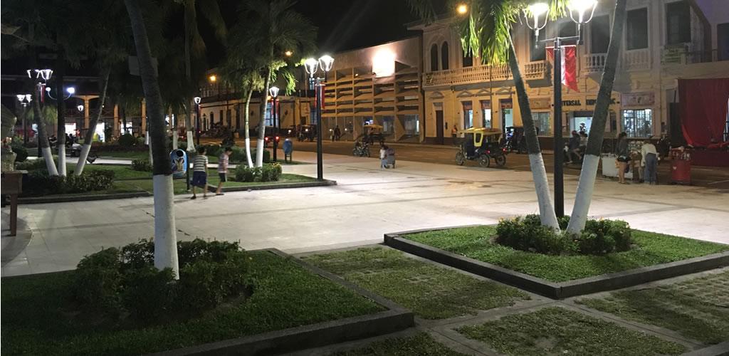 Instalan moderna tecnología LED europea en Plaza de Armas de Iquitos