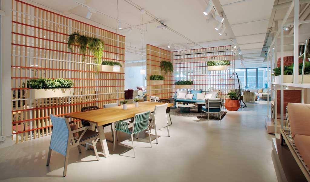 Kettal abre una sala de exposición de muebles en la ciudad de Nueva York con patio exterior