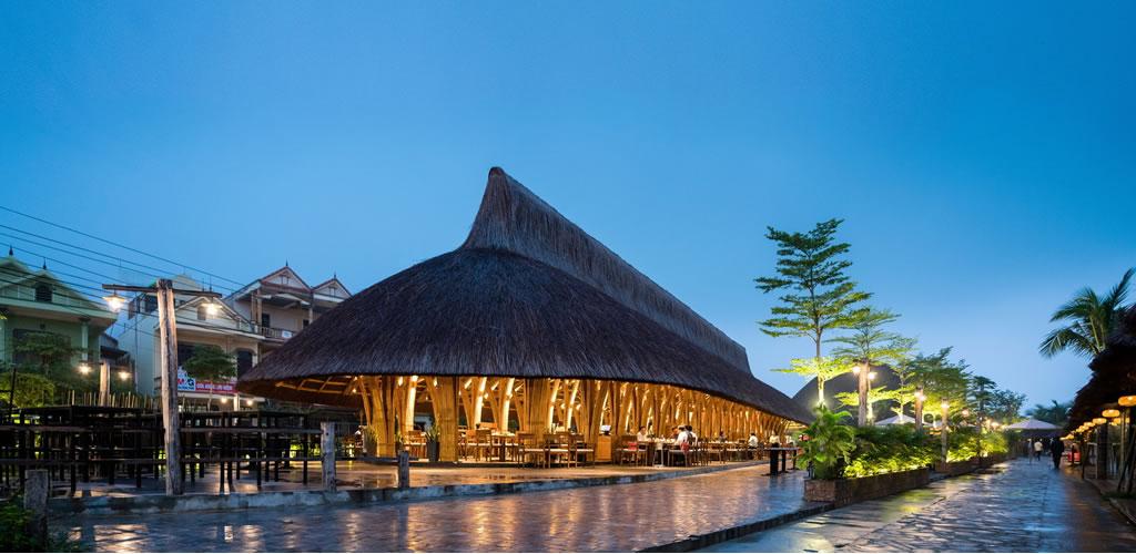 Restaurante Casa Larga de Bambú / BambuBuild