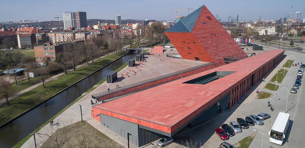 Museo de la Segunda Guerra Mundial / Studio Architektoniczne Kwadrat