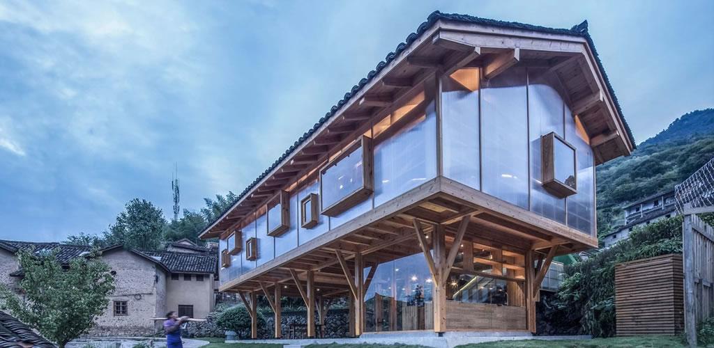 Casa de montaña en la niebla / Shulin Architectural Design