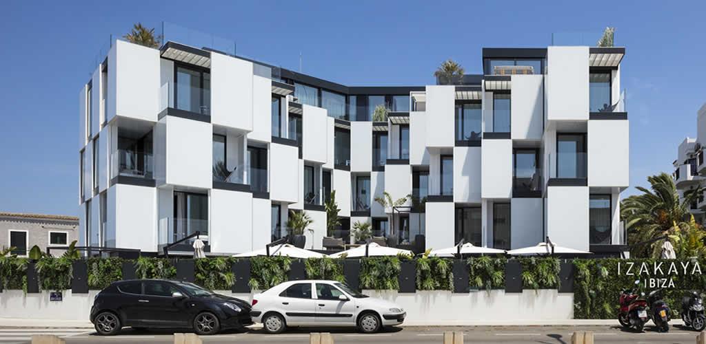 Hotel Sir Joan Ibiza / Ribas&Ribas Architects