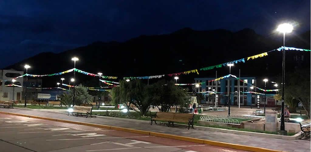 Plaza de Armas de Maranganí cuenta con moderno sistema de iluminación LED europeo