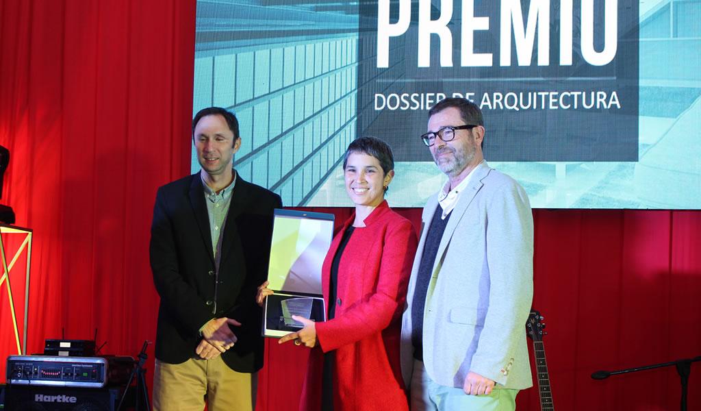RENÉ POGGIONE GONZÁLEZ: Premio a la Trayectoria