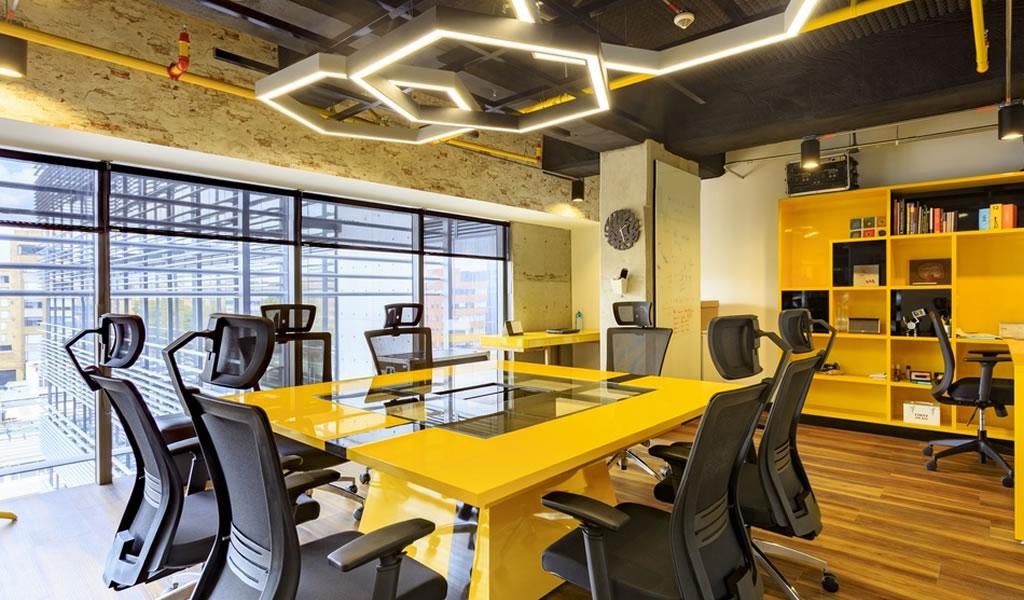 ¿Qué efecto tiene el color en los espacios de trabajo?