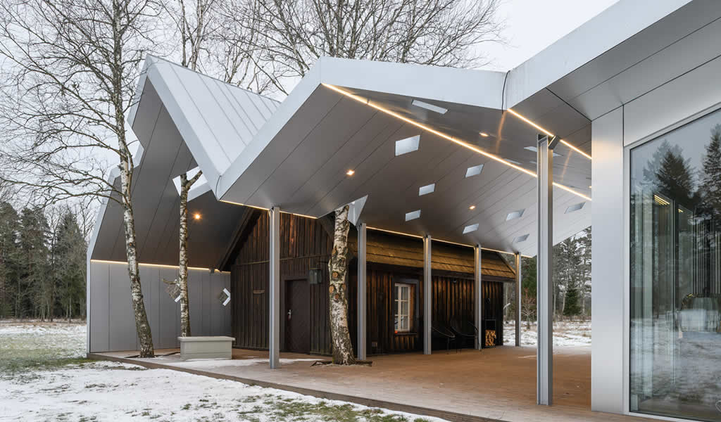 Sauna Lusthoone Funhouse / Peeter Pere