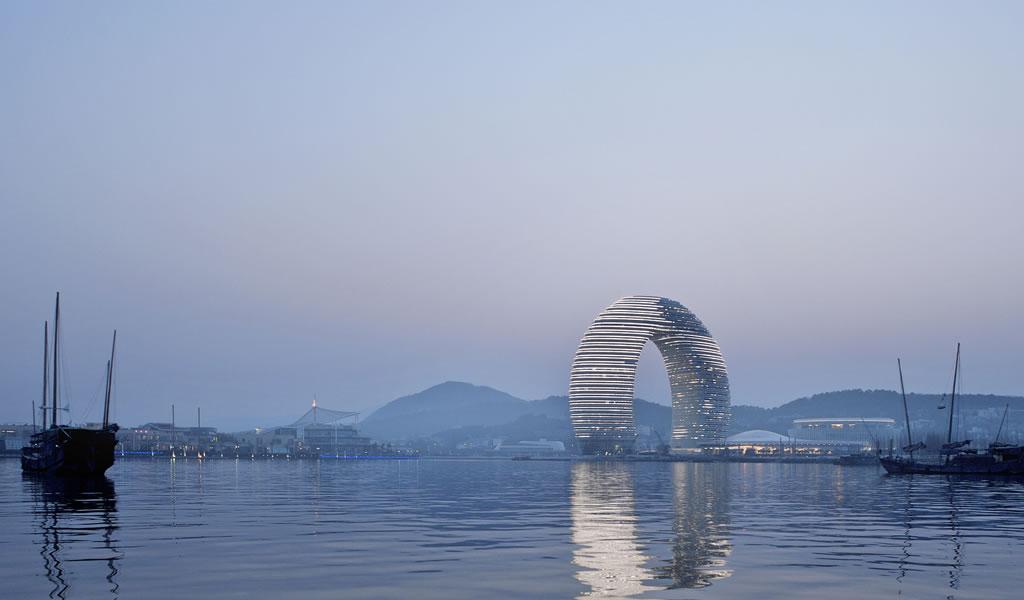 Hotel Sheraton Moon en Huzhou / MAD Architects