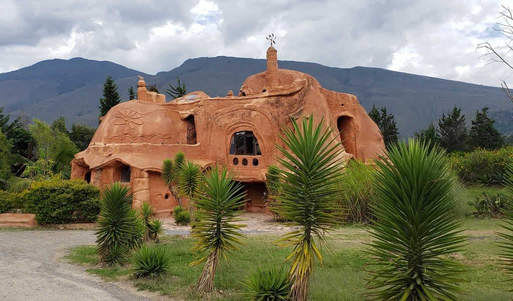 Casa Terracota: una sola pieza de cerámica de 500 m2