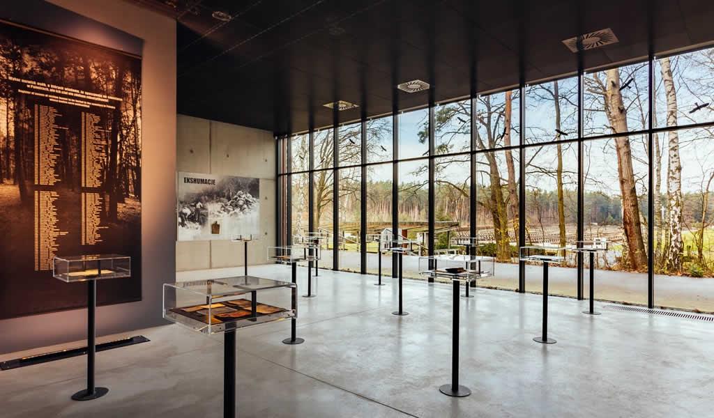 Museo memorial en Palmiry / WXCA