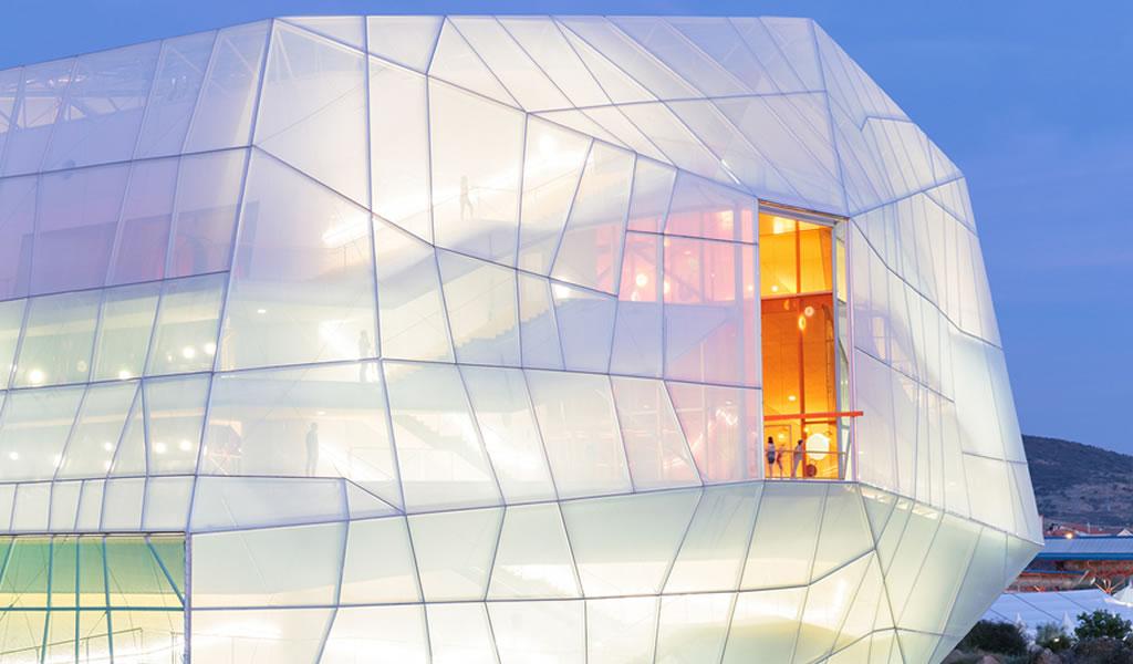 Edificios linterna: Edificios que sacan partido de sus fachadas iluminadas