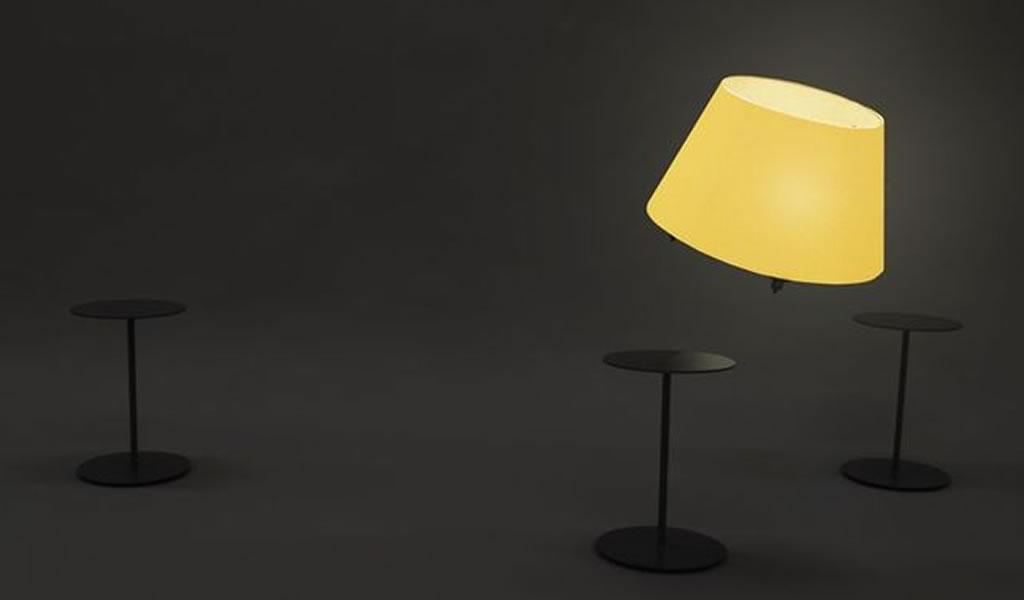 La lámpara-dron que vuela y te sigue por casa