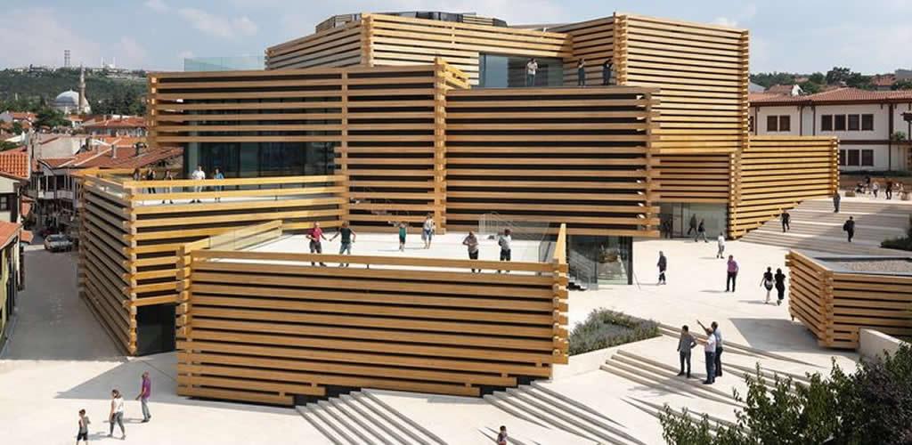 OMM, un espectacular museo de arte contemporáneo