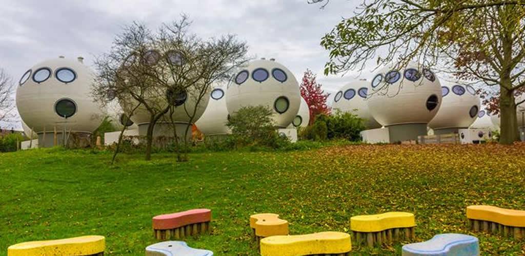 El vecindario de casas-bola en Holanda