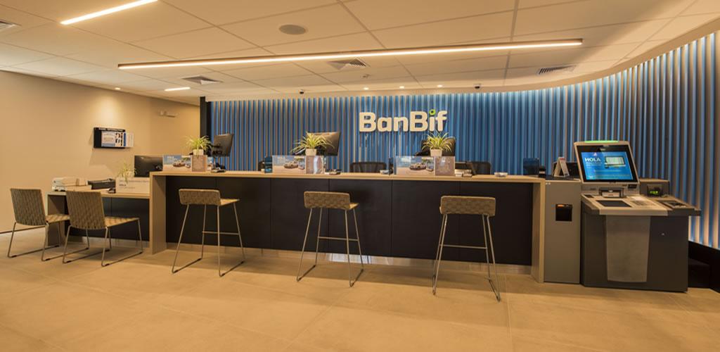 Nueva imagen agencias Banco Banbif por Fiorella Milla León