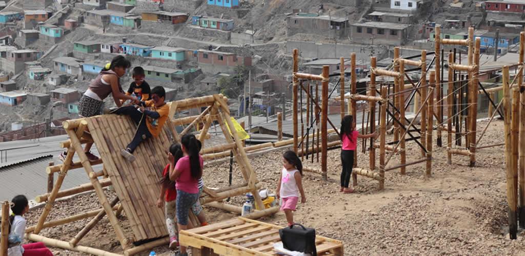 Poblaciones vulnerables de Perú cuentan con programas de construcción en bambú