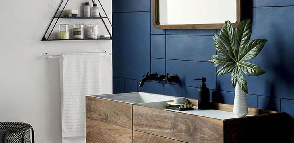 Los baños de color azul son la última tendencia
