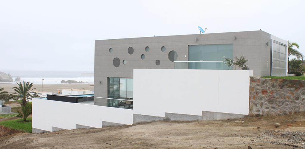CASA DL por el Arquitecto Bruno Ferreccio