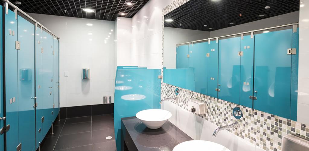 Lamitech presenta cabinas de baño antibacteriales
