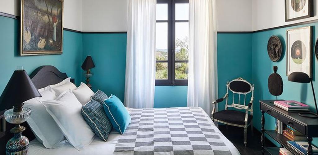 Dormitorios que apuestan por el color