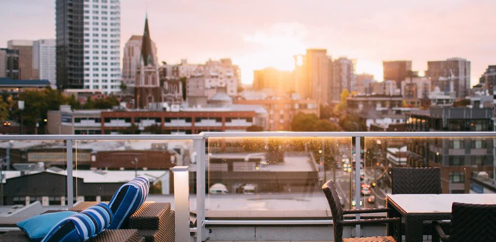 Ideas fáciles para iluminar tu terraza