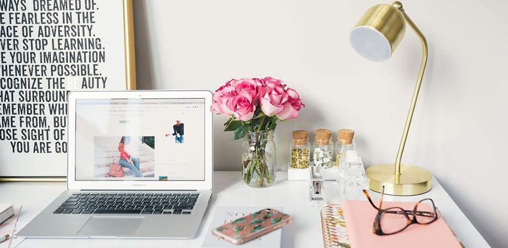 6 cosas que haces mal en tu mesa de trabajo