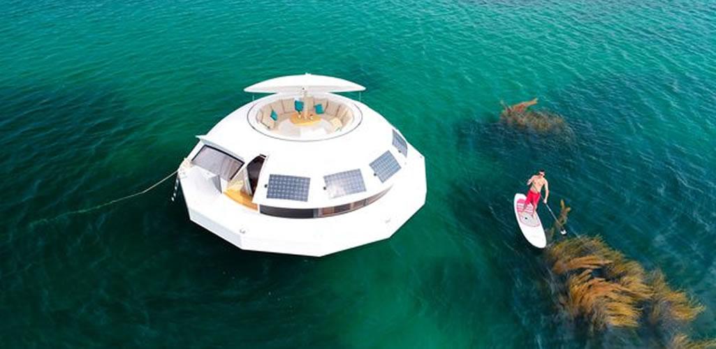 Una casa flotante autosuficiente y sostenible