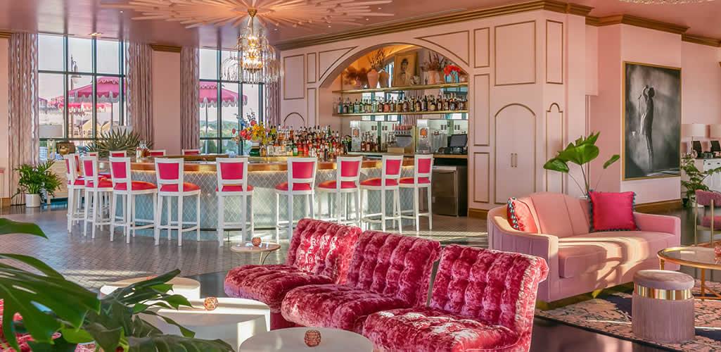 Conoce el hotel inspirado en Dolly Parton