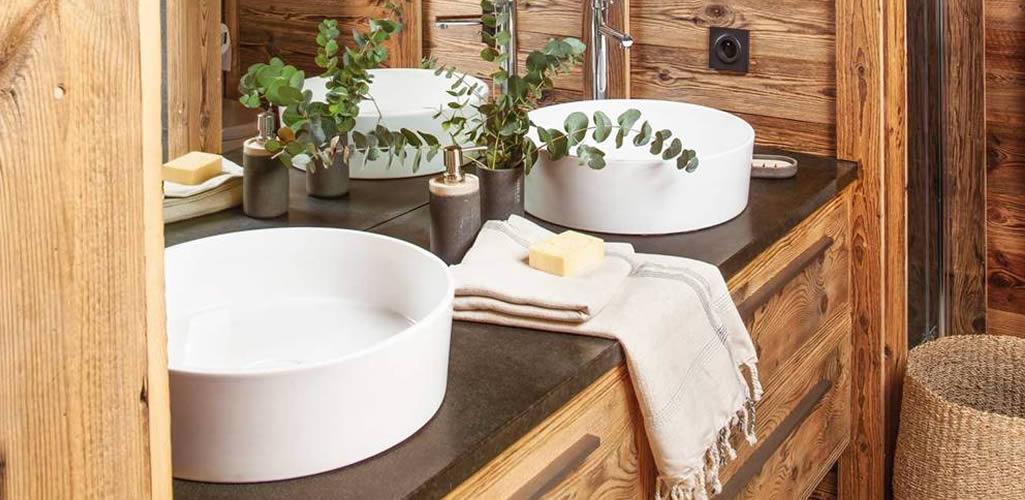 Muebles de madera en el baño: ventajas e inconvenientes