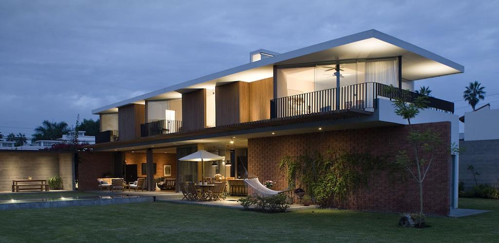 Casa ChaPa  por Poggione + Biondi Arquitectos