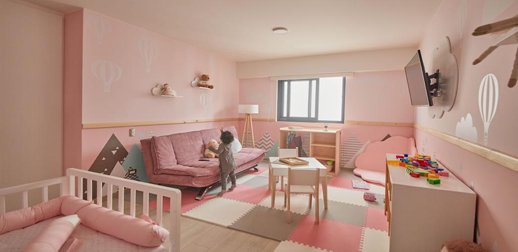 Una habitación entre cerritos y nubes  por el Arq. Fernando Alvarez