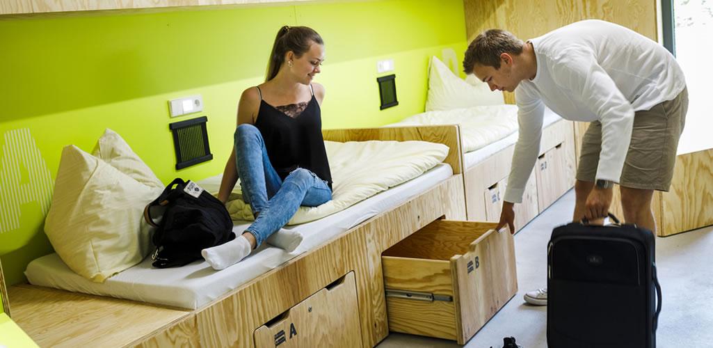 ¿Cómo aprovechar el espacio bajo la cama?