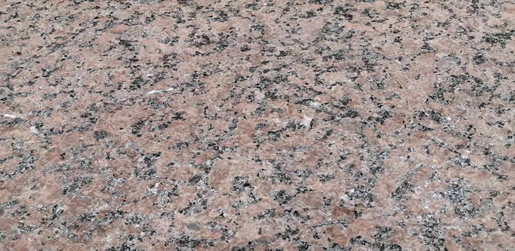 Pierinelli: Nueva textura Fiammato para piedra natural