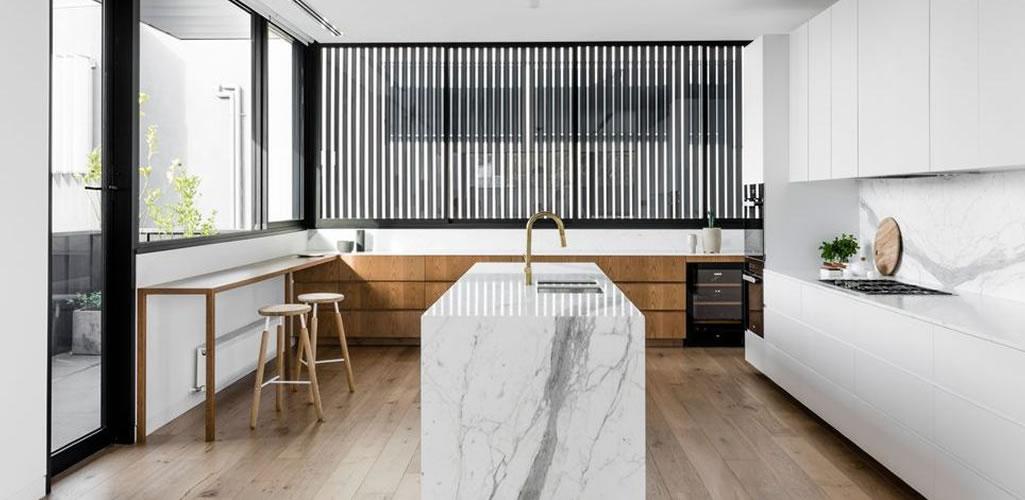 Cocinas minimalistas que te harán soñar con tener una