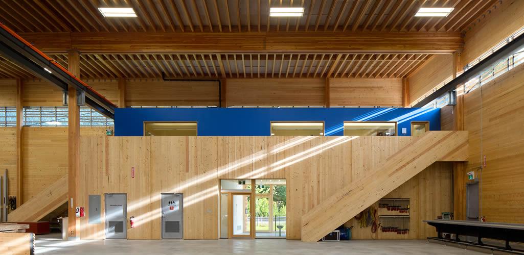 ¿Es hora de pensar en edificios industriales de madera?