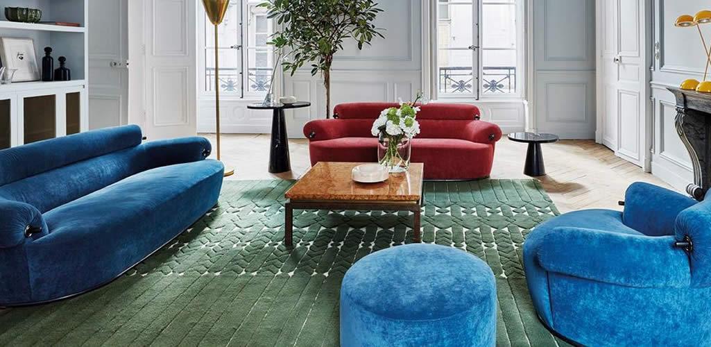 Salas con sofás de dos colores, pura tendencia