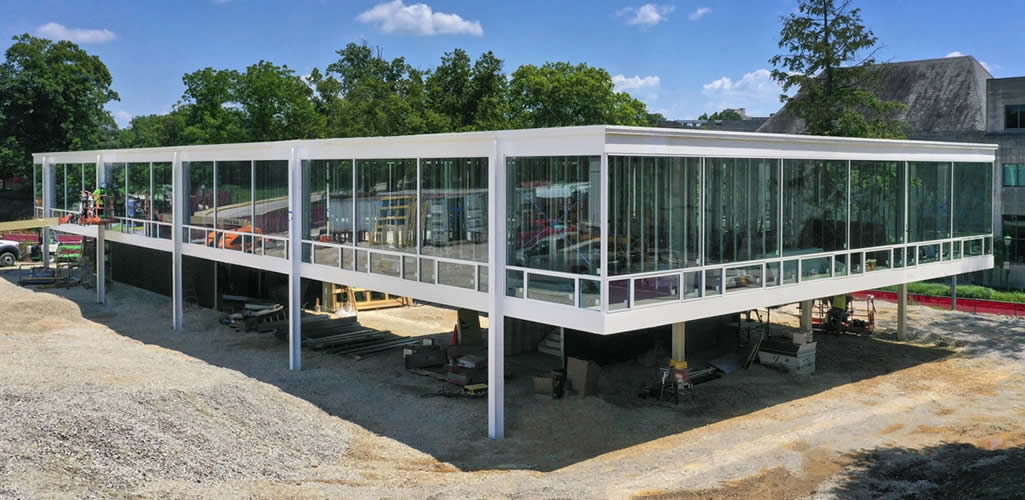 Conoce el edificio que fue diseñado por Mies van der Rohe y se construyó 70 años después